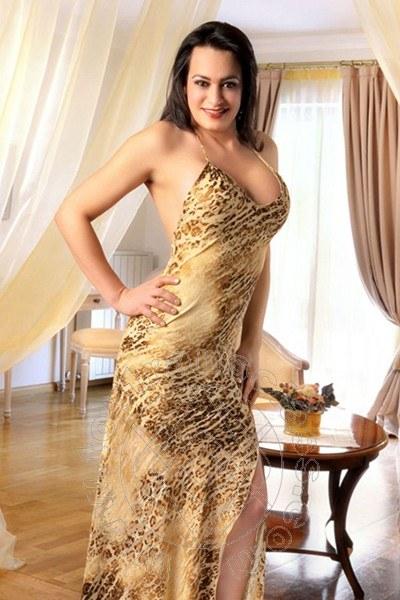 Vivian  VIENNA 0043 69910903370